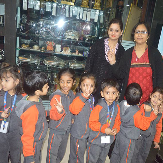 Class Nursery - VISIT TO 'SRS VALUE BAZAR'